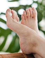 نتیجه تصویری برای مراقبت از پاهای افراد سالمند